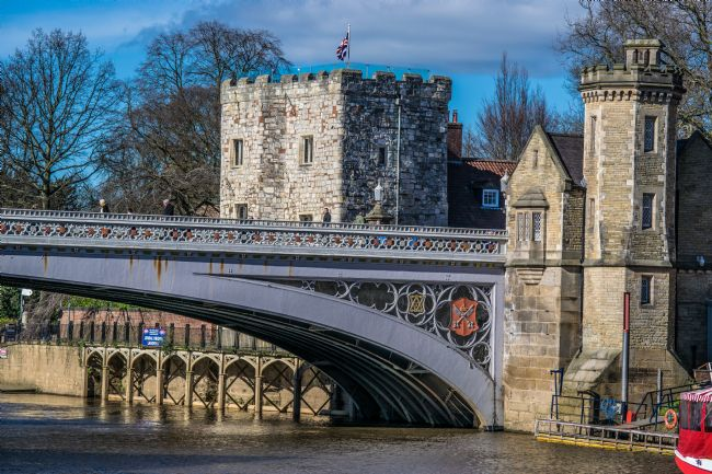 Robert  Gipson | York Lendal Bridge, tower and the river Ouse.