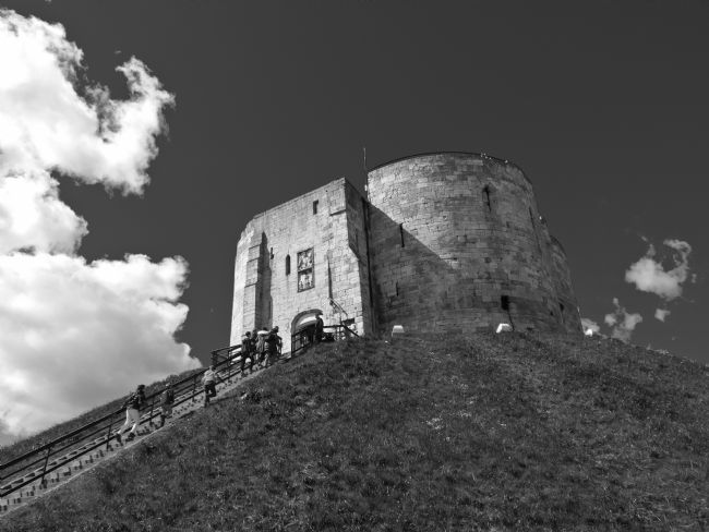 Robert  J Gipson | Cliffords tower in black and white.