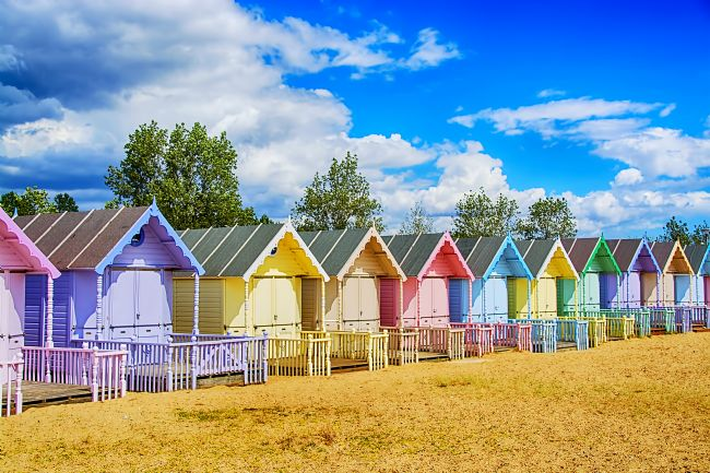Chris Thaxter | Pastel Beach Huts 4