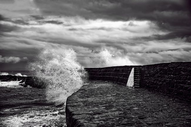 Chris Thaxter | Waves over the Cobb