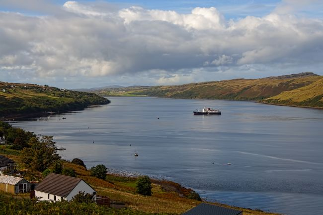 Chris Thaxter | Hebridean Princess in Loch Harport