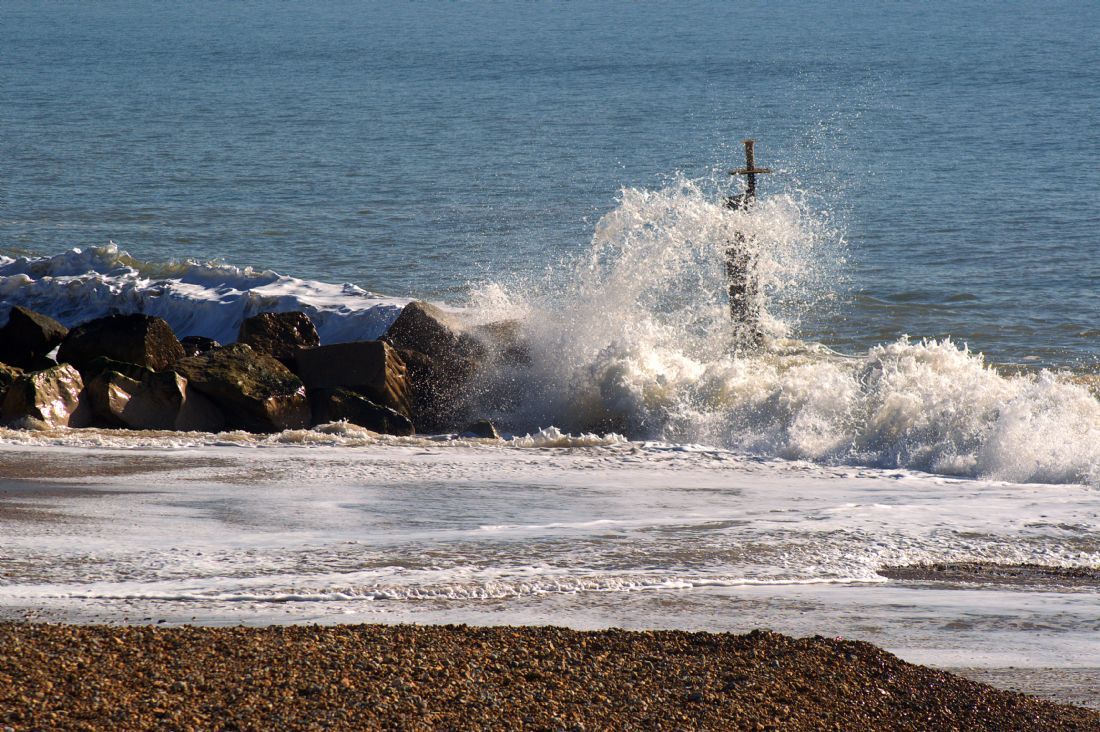 Chris Day | Waves crashing