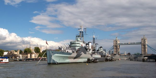 Chris Day | Hms Belfast and city skyline
