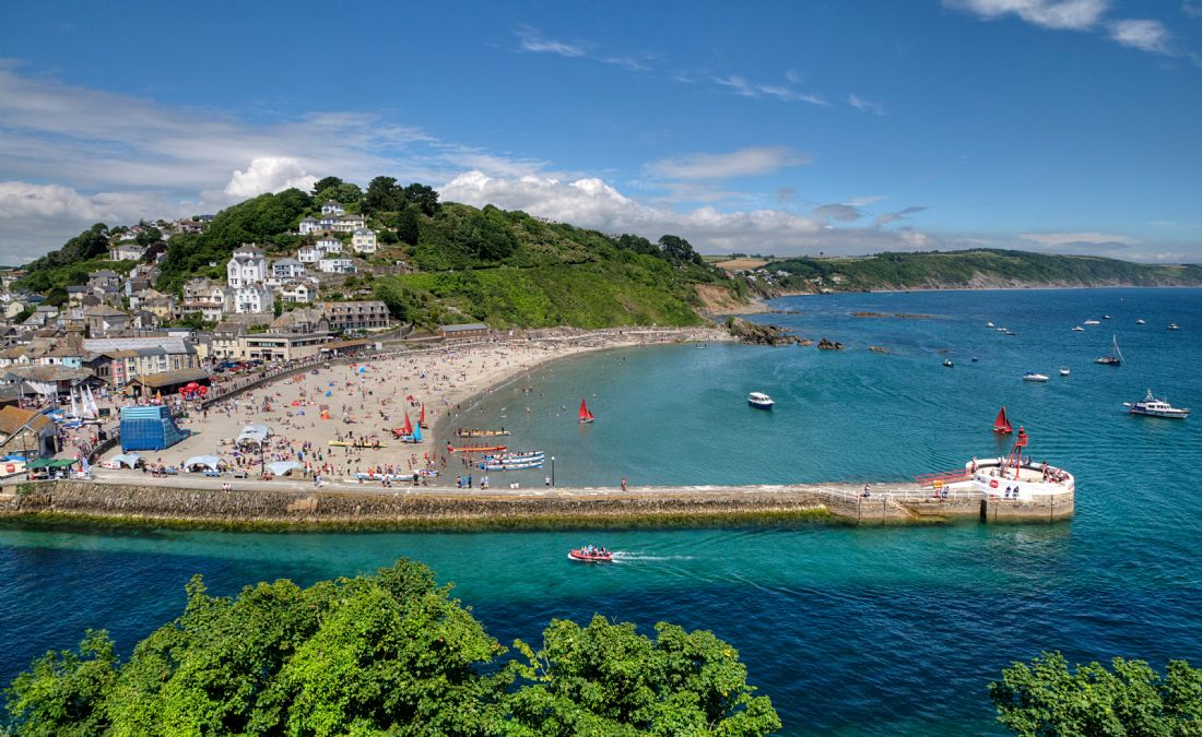 Rosie Spooner | Busy day on Looe Beach in South East Cornwall