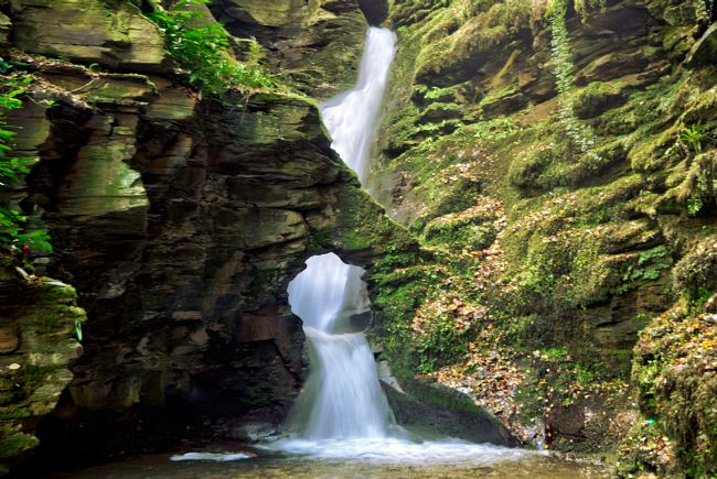 Rosie Spooner | St Nectan's Glen waterfall at Thevethy near Tintagel in North Cornwall