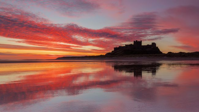 Jennifer Higgs | Sunrise Over Bamburgh Castle