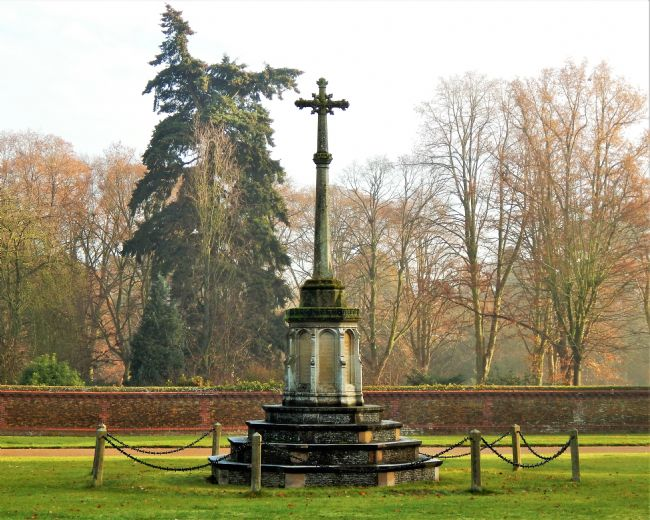 Bozena Thompson | Sandringham War Memorial