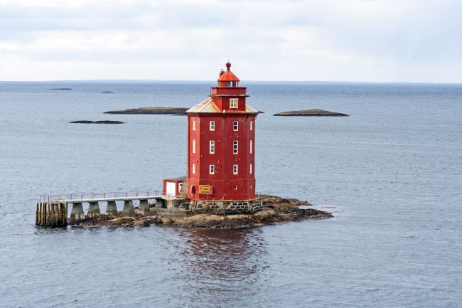 Hazel Wright | Kjeungskjær Lighthouse,