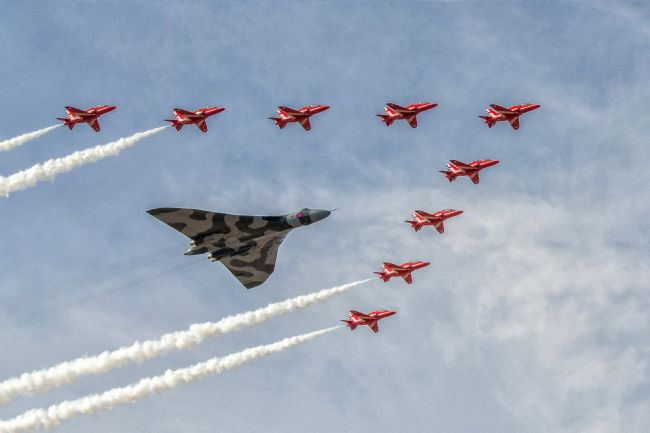Pam Sargeant | Red Arrows and Vulcan