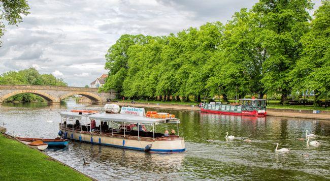 pauline tims | The river Avon at Evesham, Warwickshire, UK