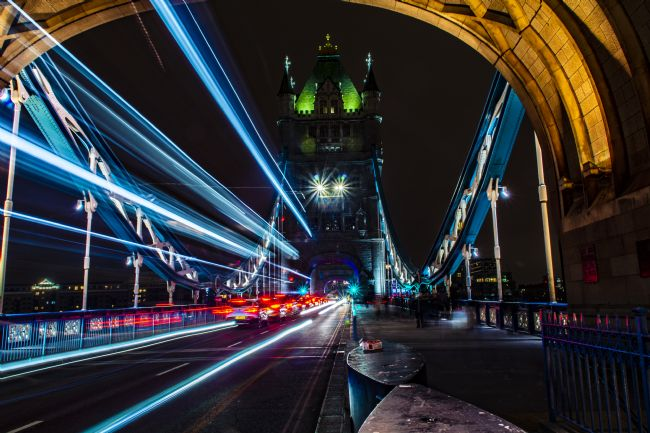 Niels Richards | Tower Bridge Light Trail