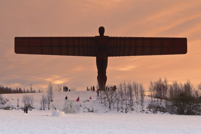 Daniel Dent | Angel of the north - Winter Fun