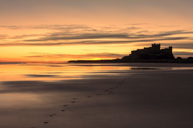 Daniel Dent | Sunrise at Bamburgh Castle