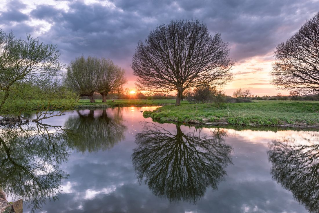Nick Rowland | Sunset on the River Stour at Dedham