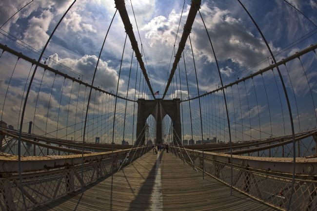 David Richardson | Fisheye Across Brooklyn Bridge