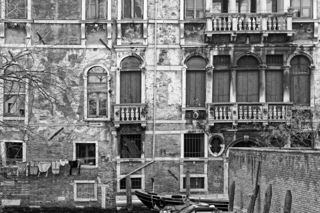 David Birchall | The decaying face of Venice.