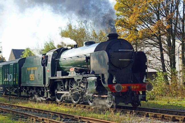 David Birchall | Preserved steam locomotive Schools class 926 Repton.