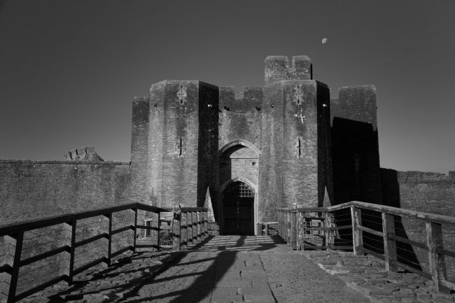 jason jones | Caerphilly Castle Gate