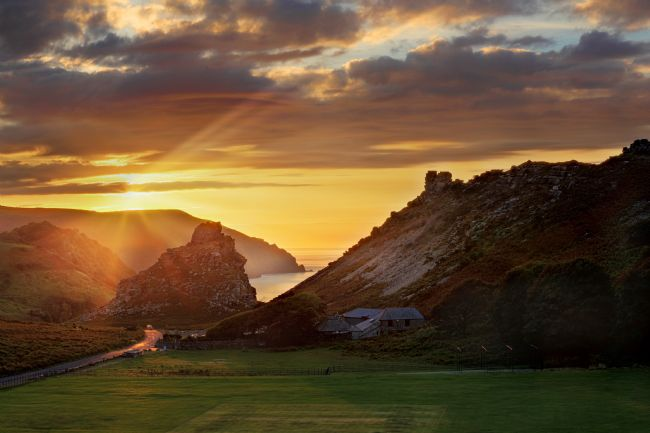 Ceri Jones | Sunset over the Valley of the Rocks