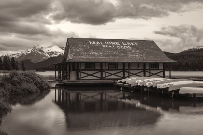 jonathan nguyen | boathouse bw
