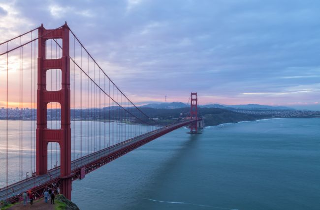 jonathan nguyen | Golden Gate at Dawn