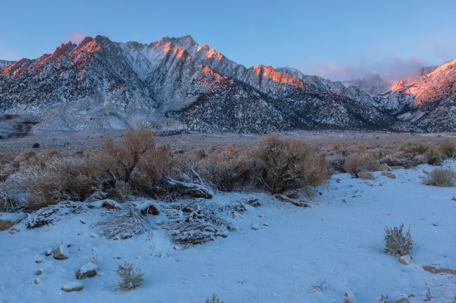 jonathan nguyen | First Light at Lone Pine Peak