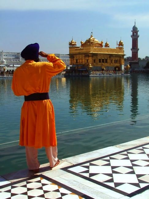 Serena Bowles | Golden Temple Guard, Amritsar, Punjab, India