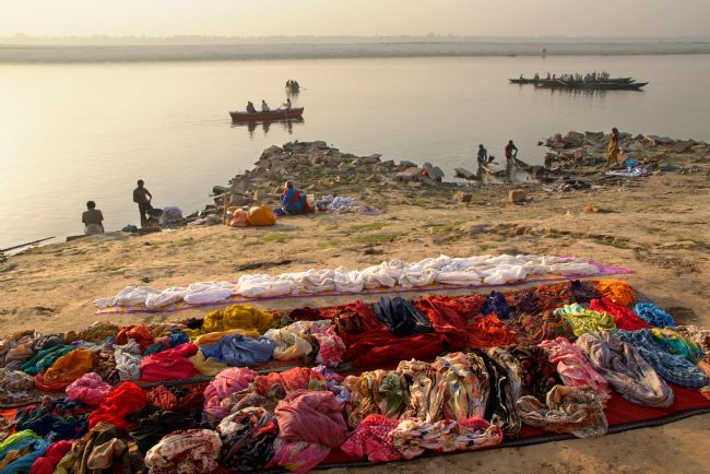 Serena Bowles | Waiting to be Washed, Banks of River Ganges, Varanasi, India