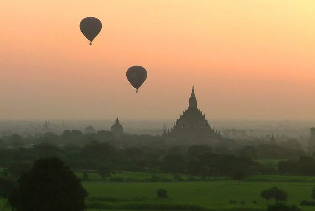 Serena Bowles | Two Balloons over Bagan at Sunrise, Myanmar