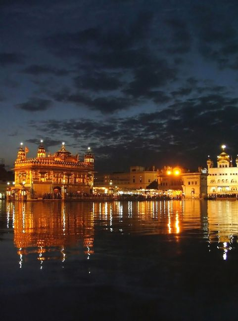 Serena Bowles | Golden Temple at Night, Amritsar, Punjab, India