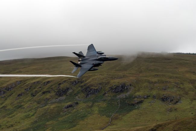 Garry Downs | jets over tal-y-llyn