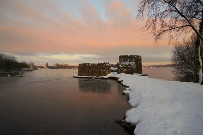 rawshutterbug  | Snowy Sunrise At The Chasewater Country Park