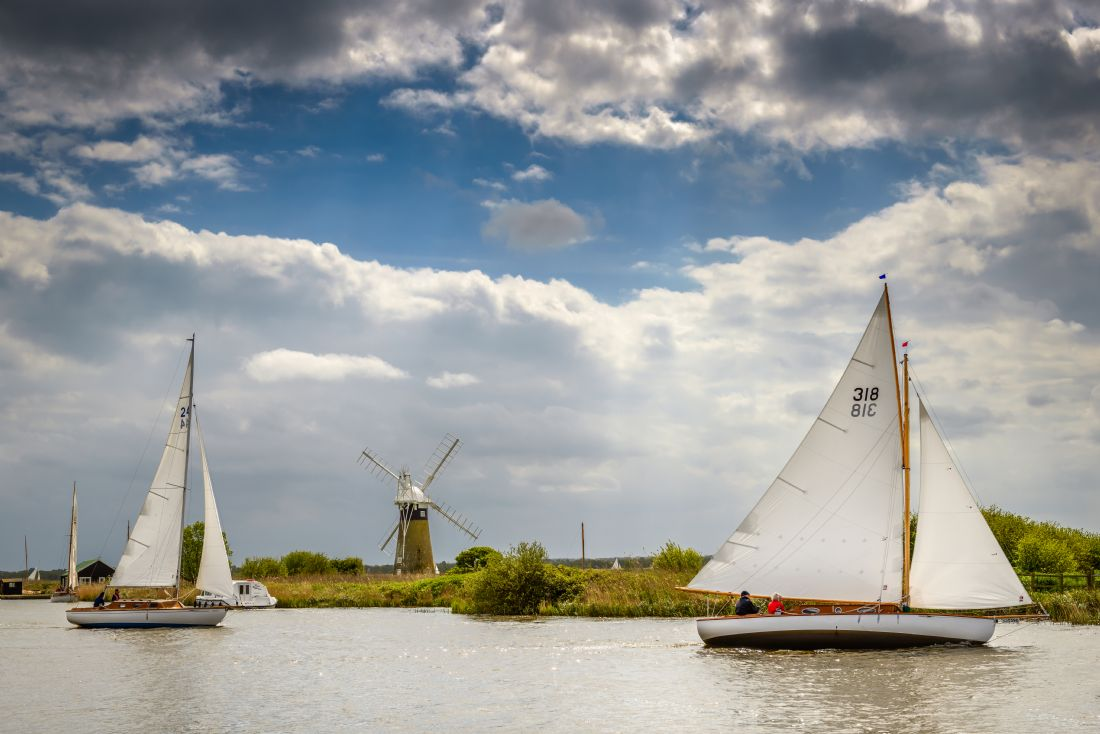 Stephen Mole | Sailing at Thurne