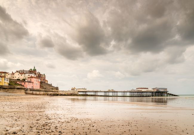 Stephen Mole | Cromer Pier and the Clifftonville Hotel