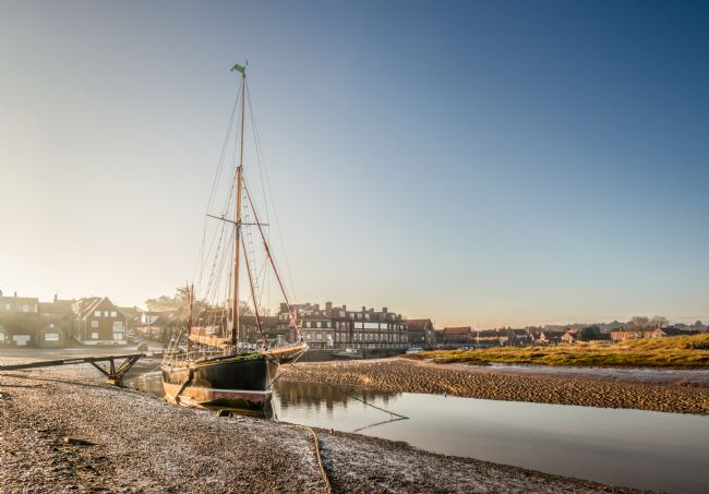 Stephen Mole | Juno moored at Blakeney