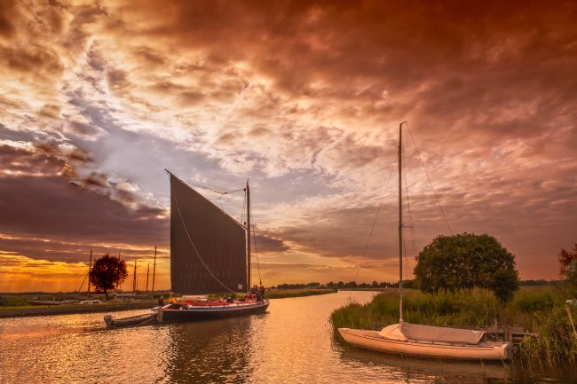 Stephen Mole | Norfolk Wherry at Thurne