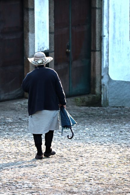 Roz Collins | Walking Home from the Church, Vila Cova de Alva