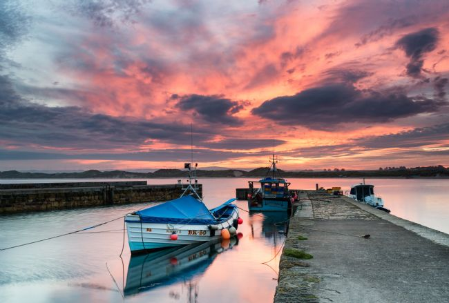 Richard Burdon | Sunset at Beadnel harbour
