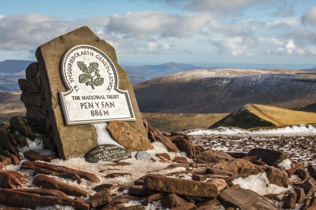 Heidi Stewart | The Summit of Pen Y Fan, Brecon Beacons