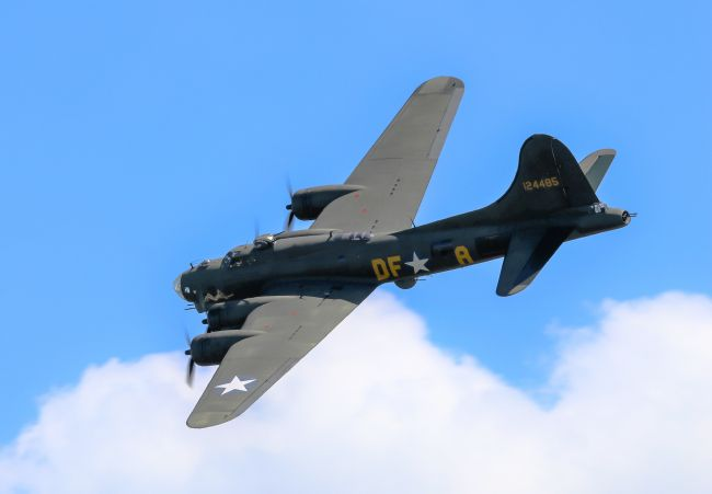 John Bath | B-17 (Sally B)