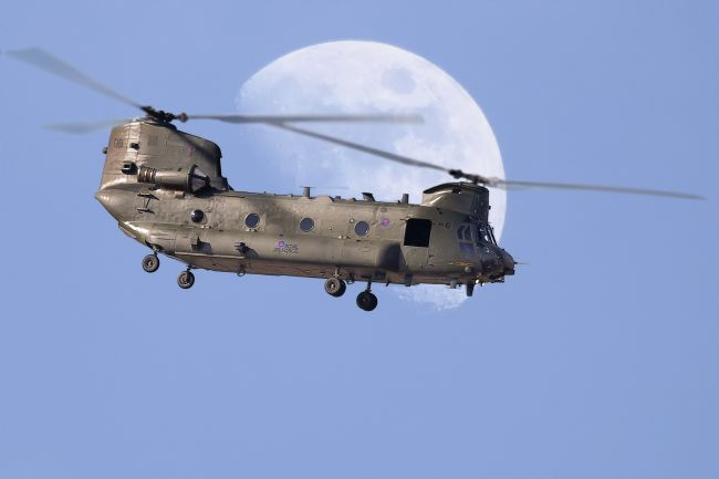 Rob Lester | CH 47 Chinook Daymoon