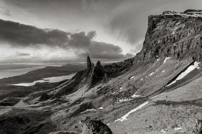 Pete Lawless | Winter Sunrise  Old man Of Storr