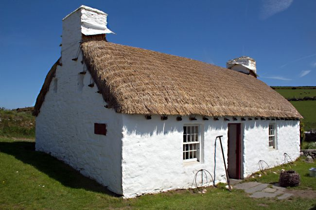 Howard Corlett | Manx Thatched Cottage
