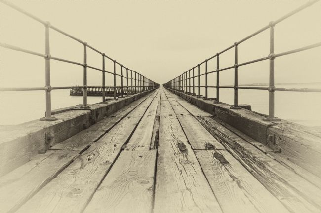david siggens | Blyth Pier black and white