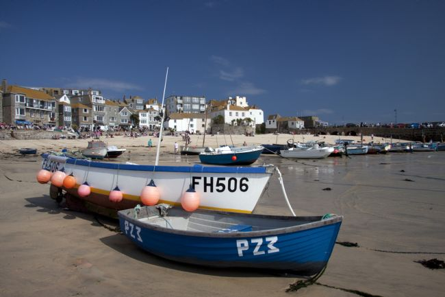 Graham Hare | Fishing boats in St Ives harbour