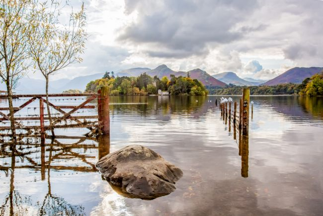 Roger Green | Through The Gate at Derwentwater