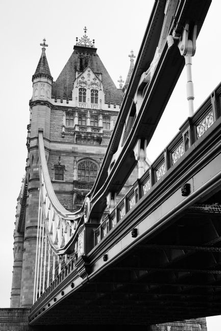 Ian Middleton | Tower Bridge in Black and White