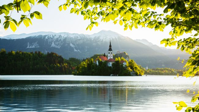 Ian Middleton | Spring colours at Lake Bled