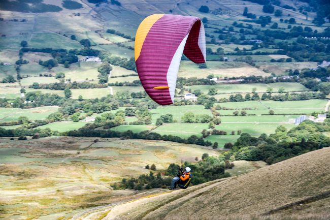 Mike Carroll | Para-glider at Mam Tor, Derbyshire