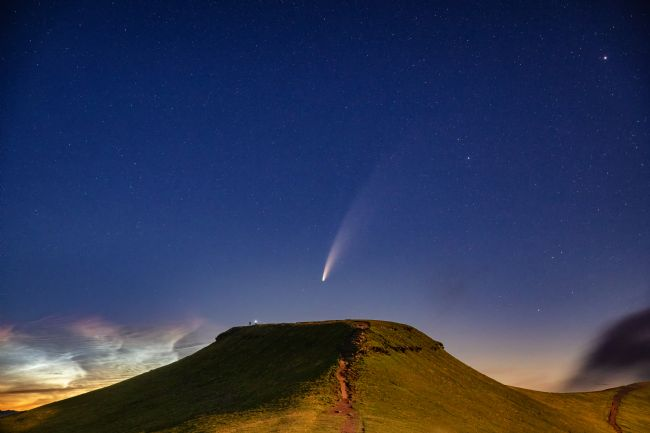 Dan Santillo | Comet NEOWISE and Noctilucent cloud over Corn Du